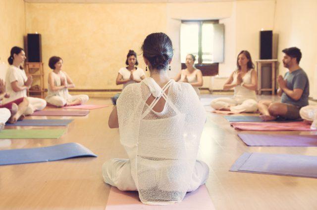 Akaljoti Yoga Estelle