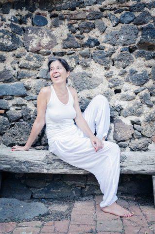 Prodesora de Yoga, Estelle Lantin